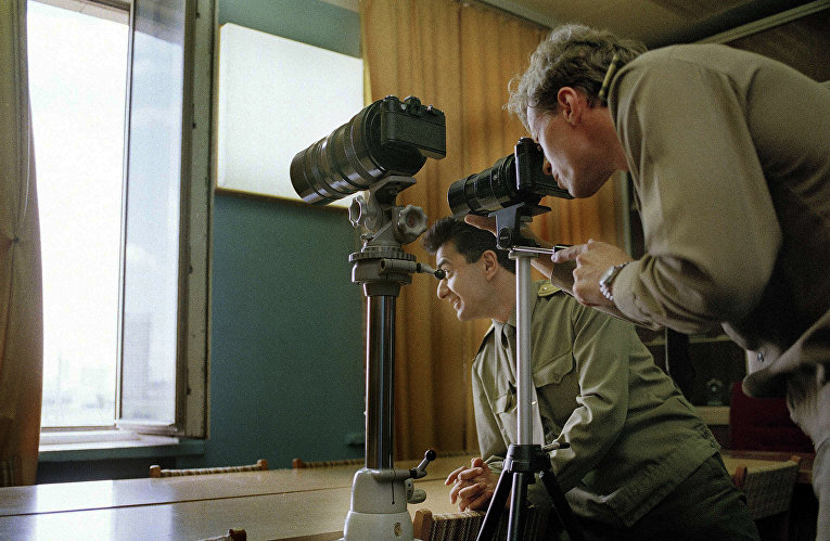 Инструкторы КГБ ведут слежку в Москве