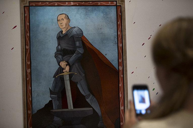 Картина с изображением Владимира Путина в рамках выставки «Вселенная Путина»
