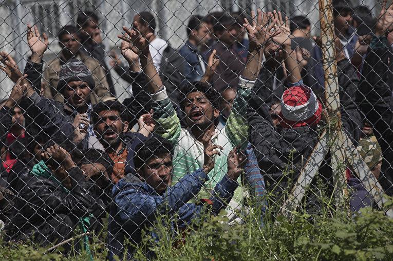 Мигранты из Пакистана на греческом острове Лесбос