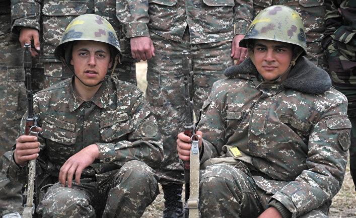 Военнослужащие армии обороны Нагорного Карабаха