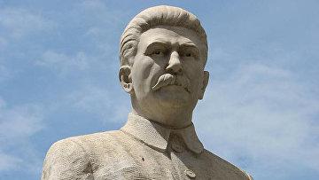 Памятник Сталину в Грузии