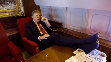 Дональд Трамп в частном самолете