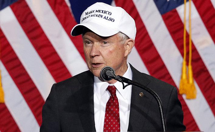 Сенатор Джефф Сешнс во время предвыборного выступления