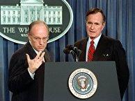 Президент США Джордж Буш-старший и министр обороны Дик Чейни
