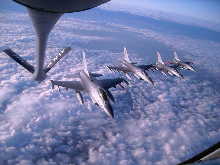 Истребители F-16 Fighting Falcon Королевских ВВС Дании