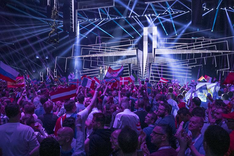 Зрители во время финала конкурса «Евровидение-2016»