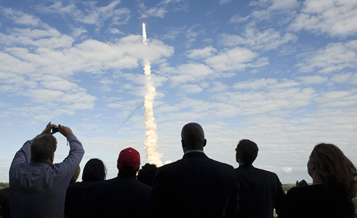 Запуск космического шаттла «Атлантис» на мысе Канаверал