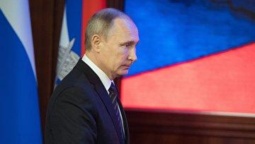 Президент России Владимир Путин на ежегодном расширенном заседании коллегии министерства обороны РФ. 22 декабря 2016
