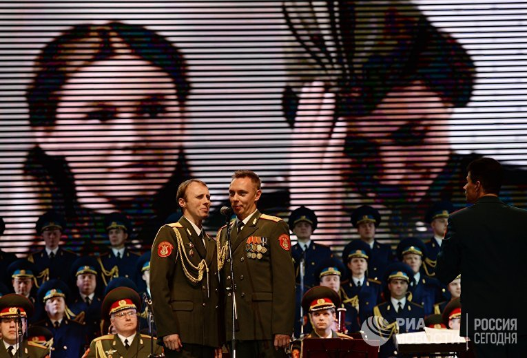 Выступление ансамбля им. Александрова на Зимнем фестивале искусств в Сочи