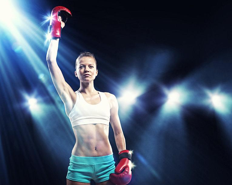 Девушка-боксер в лучах славы