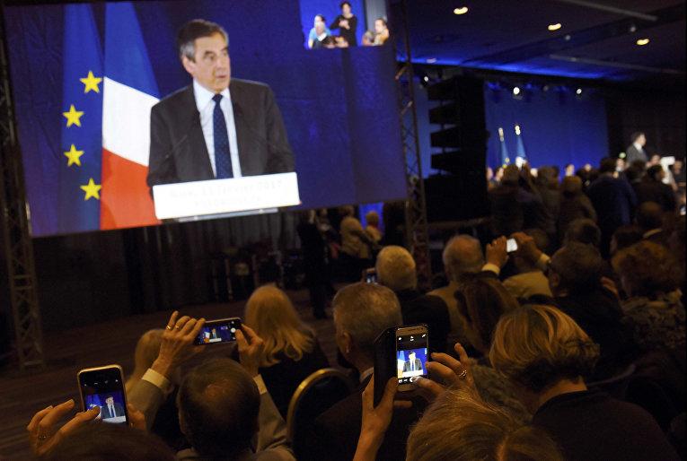 Кандидат в президенты Франсуа Фийон