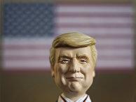 Японская кукла в образе президента США Дональда Трампа
