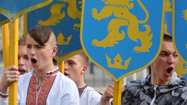 Страна (Украина): нормальные люди не будут СС поддерживать. Что киевляне думают о марше в честь Галичины