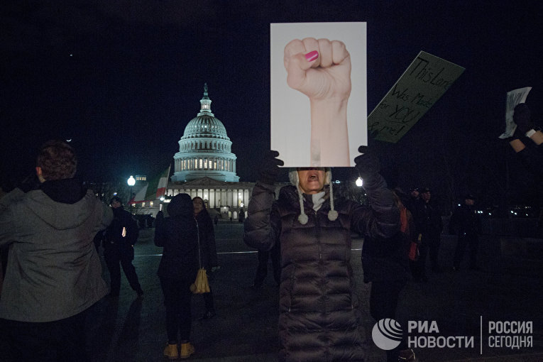 Участники митинга в Вашингтоне
