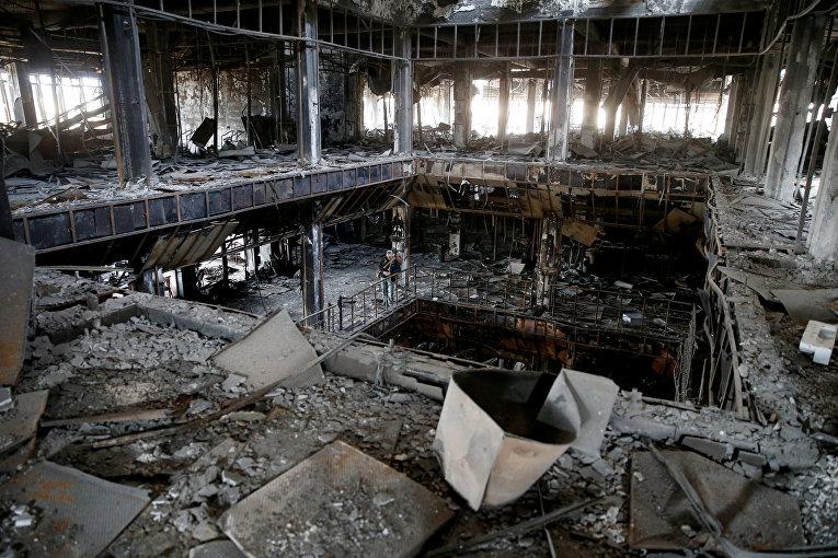 Развалины библиотеки Мосульского университета после боев.