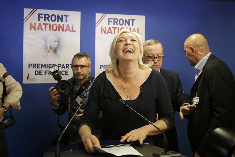 Лидер партии «Национальный фронт» Марин Ле Пен после объявления результатов выборов в Европарламент