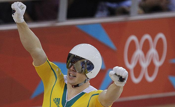 Призер Олимпийских игр Шейн Перкинс