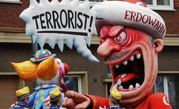 Каррикатура на Реджепа Тайипа Эрдогана на карнавале в Германии