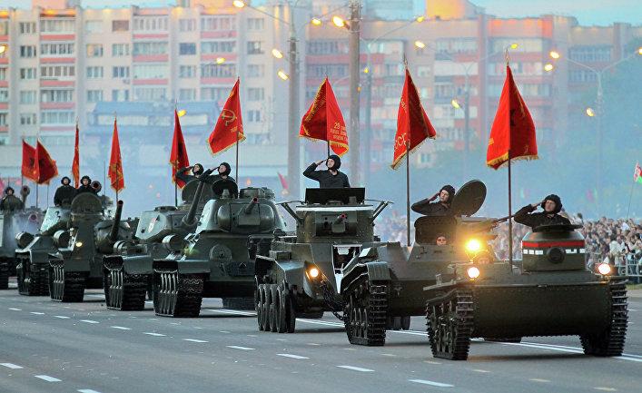 Парад в Минске в честь 70-летия освобождения от немецко-фашистских захватчиков