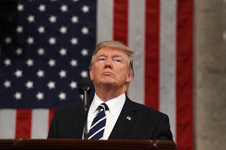 Президент США Дональд Трамп во время выступления перед палатами Конгресса