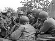 Советские и американские войска во время встречи на Эльбе