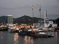 Батумский морской порт в городе Батуми
