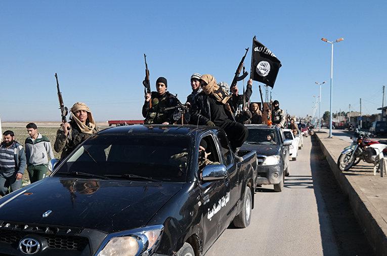 Боевики ИГ (запрещена в РФ) на северо-востоке Сирии