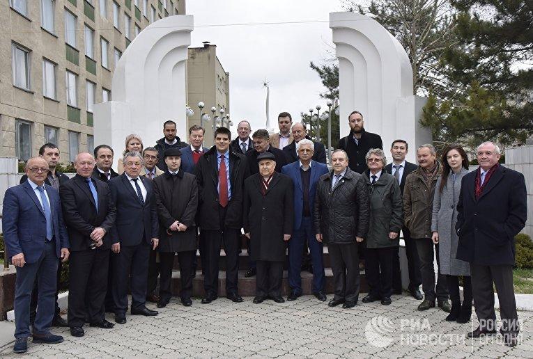 Делегация европейских и украинских политиков прибыла в Крым