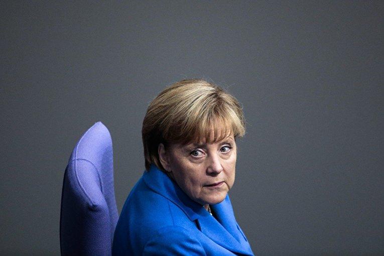 Ангела Меркель на заседании Бундестага