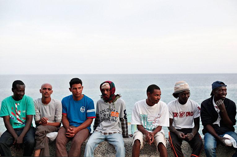 Мигранты на границе Италии и Франции в Вентимилье