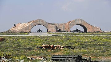 Последствия ракетного удара США по авиабазе в Сирии. 7 апреля 2017