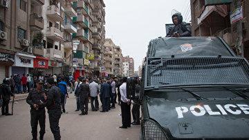Полиция у коптской церкви Святого Георгия в египетском городе Танта, в которой произошел взрыв