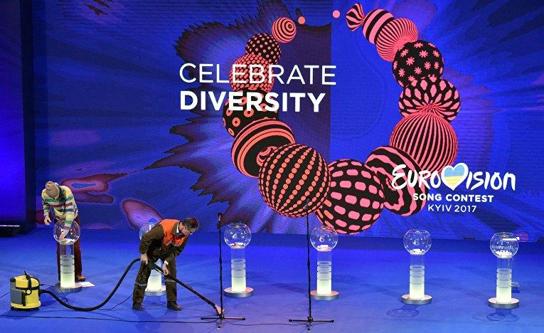 Подготовка к церемонии жеребьевки конкурса Евровидение 2017 в Киеве