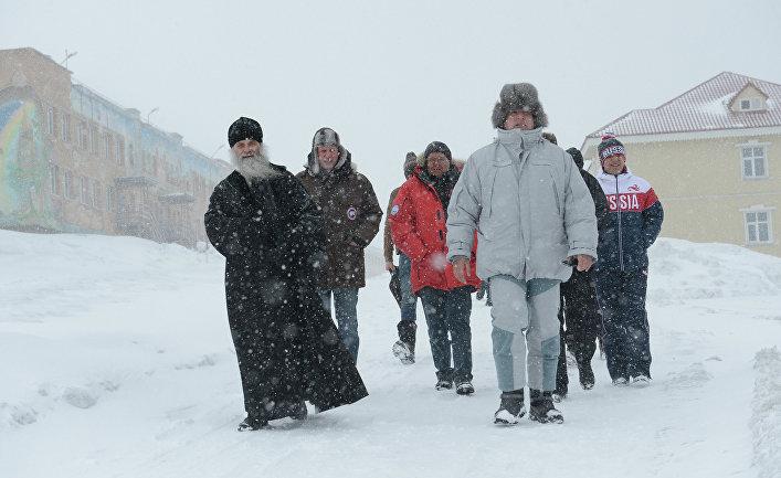 Дмитрий Рогозин в городе Баренцбург на архипелаге Шпицберген