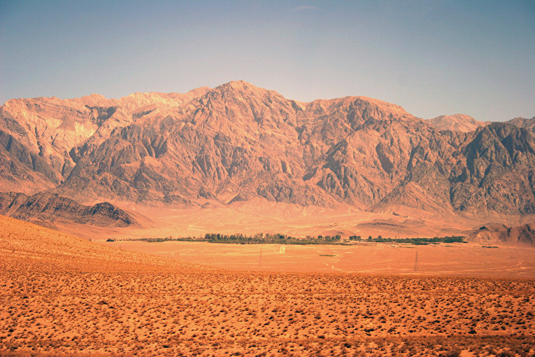 Пустынный ландшафт в провинции Керман, Иран