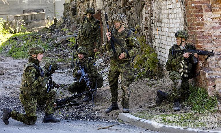 Силы обороны Эстонии совместно с союзниками НАТО во время военных учени