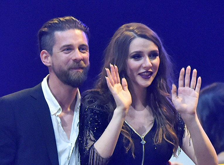 Певица Яны Бурчески и ее жених