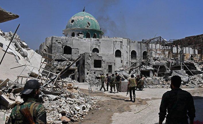 Бойцы на улице в квартале Кабун в пригороде Дамаска