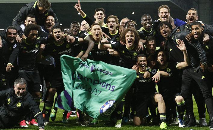 """Футболисты """"Челси"""" празднуют победу в чемпионате Англии"""