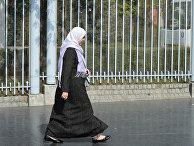С 1 января 2011 года во Франции вступает в силу запрет на ношение в общественных местах мусульманской одежды, скрывающей лицо женщины