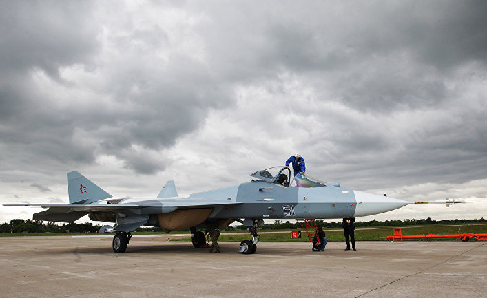 Испытания нового боевого самолета пятого поколения Т-50