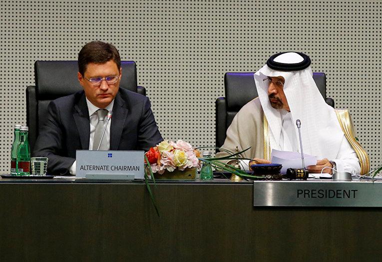 Министр энергетики России Александр Новак и министр энергетики Саудовской Аравии и президент конференции ОПЕК Халид Аль-Фалих