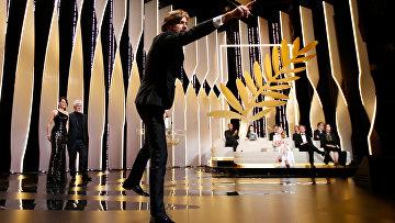 Режиссер Рубен Эстлунд на церемонии закрытия 70-го Каннского международного кинофестиваля