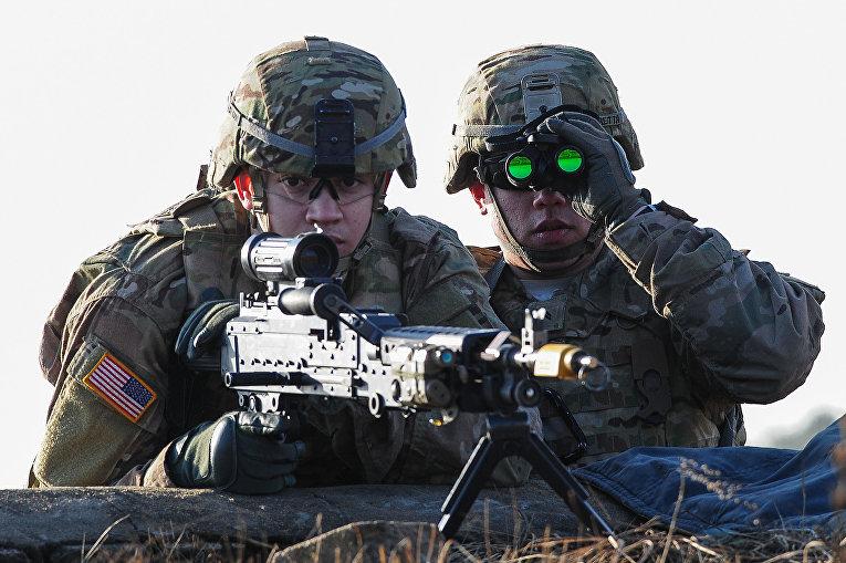 Американские военнослужащие во время учений НАТО в Литве