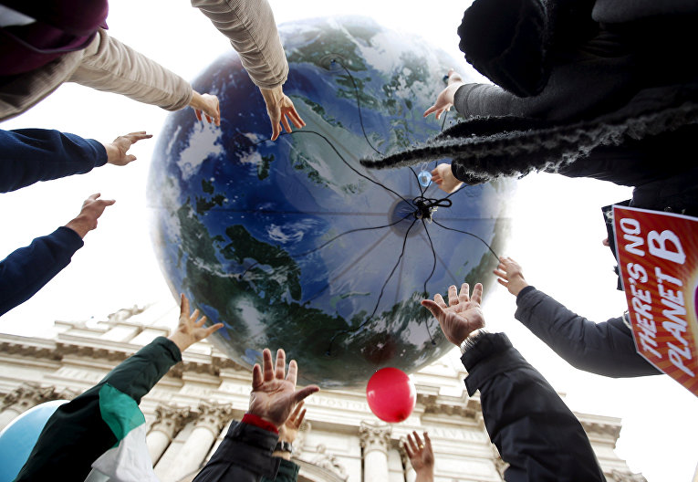 Акция протеста во время всемирной конференции по изменению климата в Риме