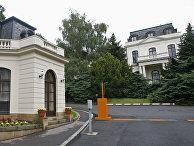 Здание российского посольства в Праге