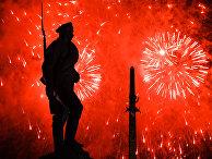 Праздничный салют в честь Дня Победы