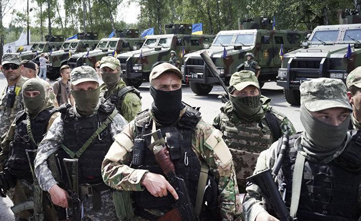 Украинские солдаты получают правительственной награды за участие в боевых действиях на востоке страны