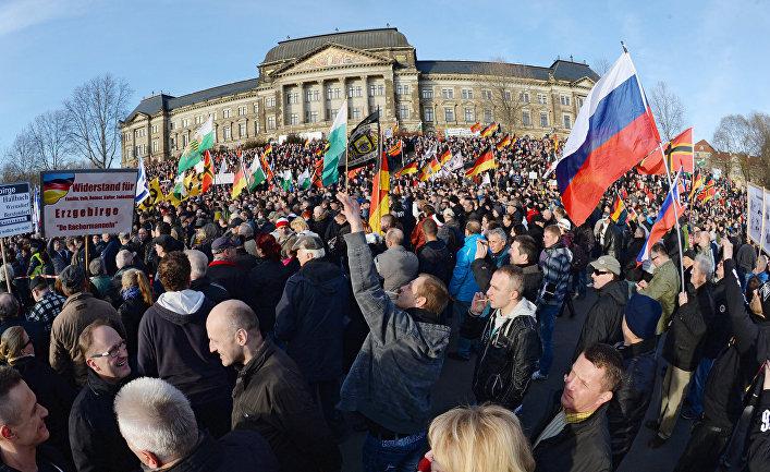 """Акции """"против исламизации Европы"""" в европейских странах"""