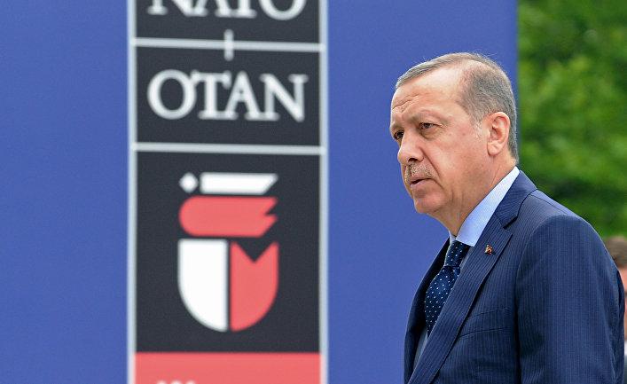 Президент Турции Реджеп Тайип Эрдоган на саммите НАТО в Варшаве